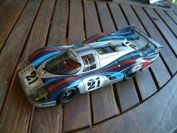 Porsche 917 Long Tail 1971  autoart 1:18