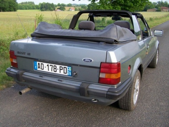 1985 ford escort xr3i cabriolet mes voitures avant my old cars vwpowered photos club. Black Bedroom Furniture Sets. Home Design Ideas