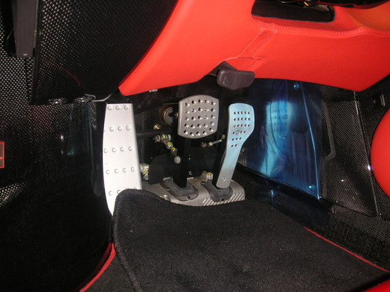Brake_and_Gas_pedals_of_Enzo_Ferrari