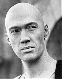 200px-David_Carradine_as_Caine_from_Kung_Fu_-_c__1972–1975