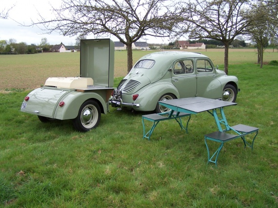la renault 4cv un grand secret pour une petite puce topic officiel page 197 anciennes. Black Bedroom Furniture Sets. Home Design Ideas