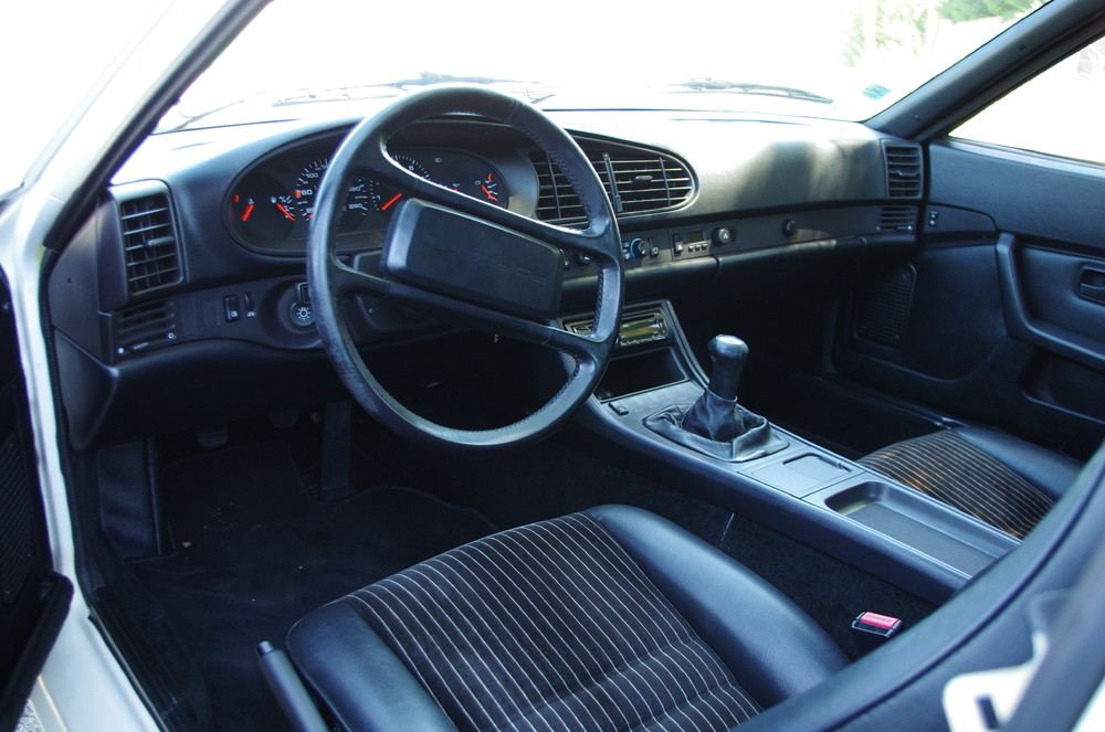 944 Phase 2 Interieur