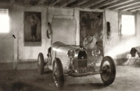 Bugatti 35 de 1927 des grand parent dans le garage