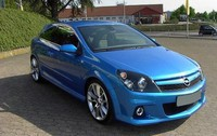 Opel_astra_H_opc
