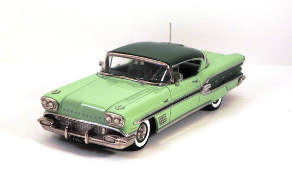 1958-bonneville-ht-by-conquest-green-skirts-1-gif