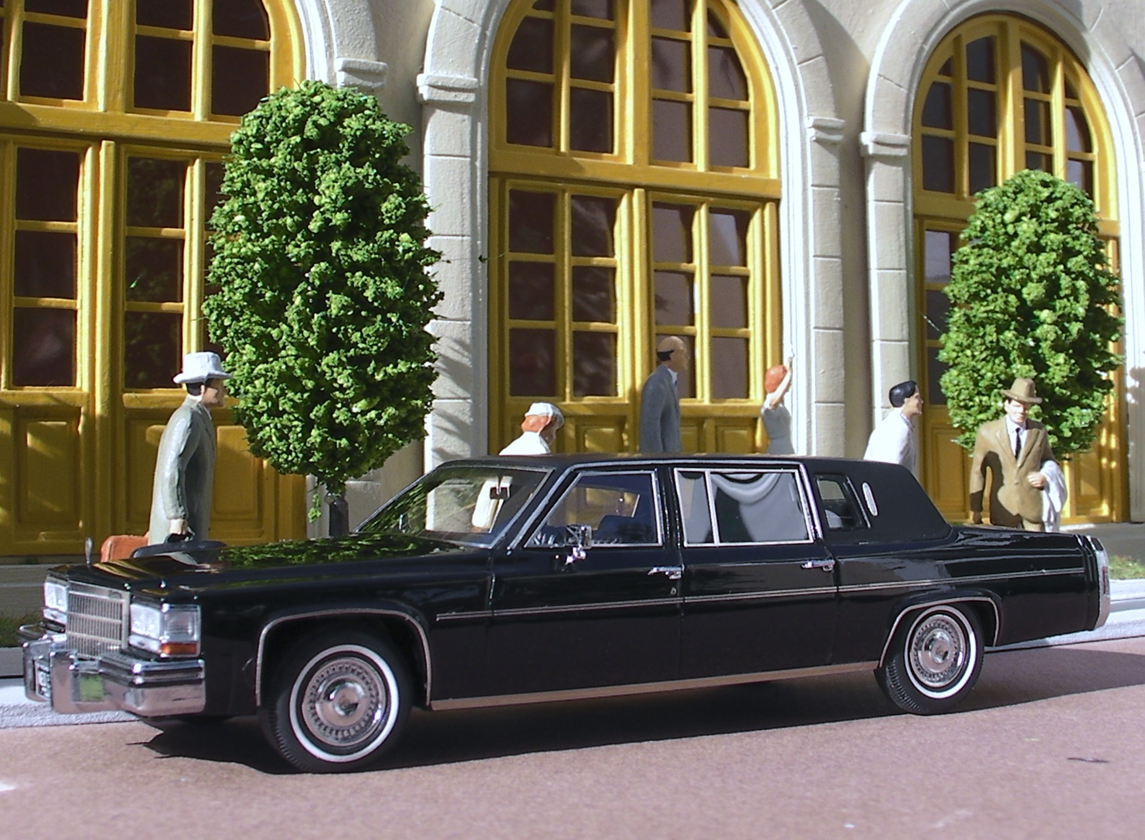 Cadillac 80 Fleetwood formal limousine  (4)