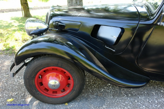 citroen traction avant page 10 oldies anciennes forum collections. Black Bedroom Furniture Sets. Home Design Ideas