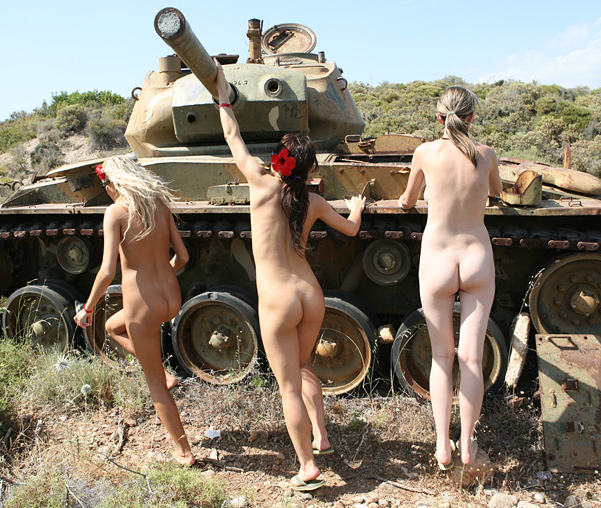 Israeli women soldiers nude and uncensored — pic 14