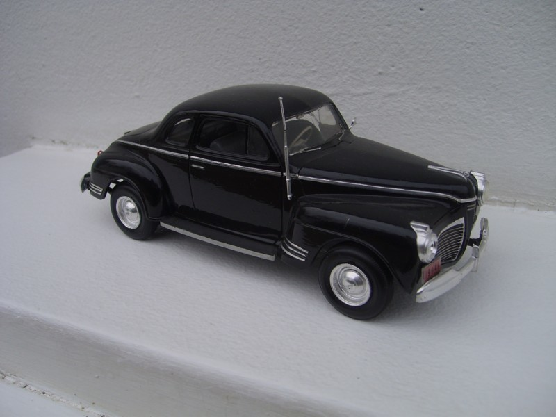 Plymouth Coupé 1941 AMT-Matchbox 1-25