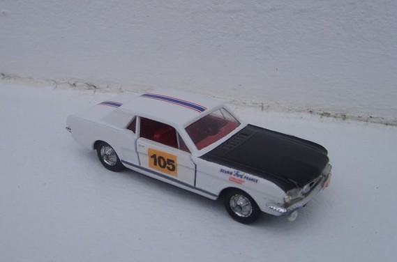 Ford Mustang GT390 monte carlo 1967 Halliday-Chemin Base Solido