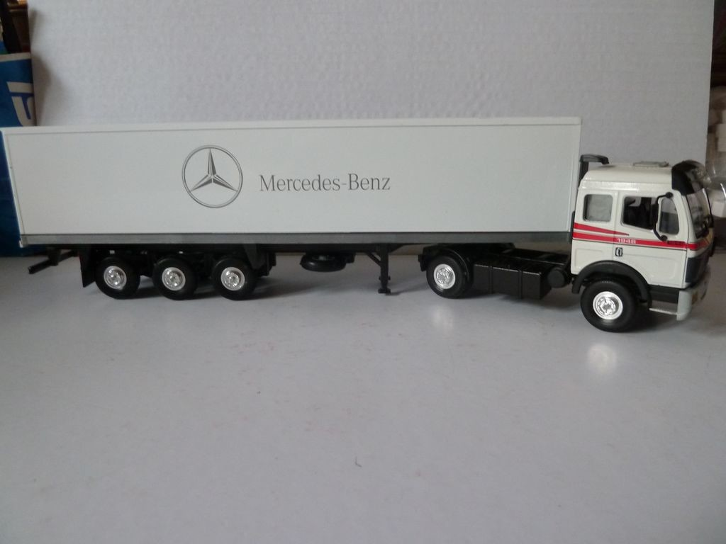 Camion Mercedes LBS