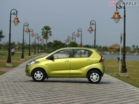 datsun-redi-go-first-look-images-photo-india-zigwheels-g10_640x480