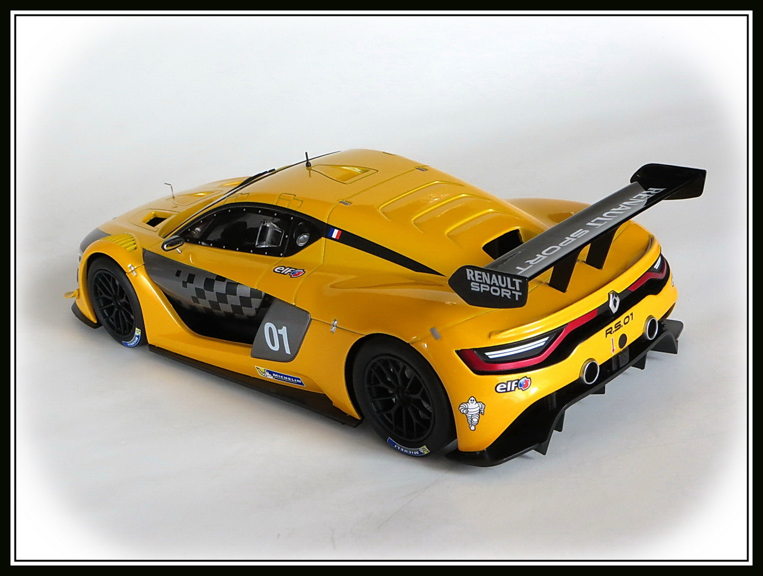 renault-rs 01-2015-028