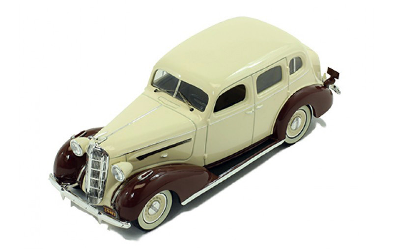 Buick Series 40 Special '36 Beige & Brown