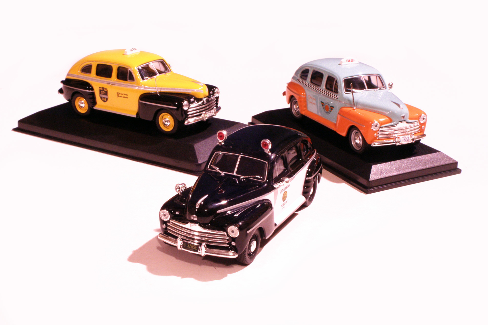 Ford Fordor 1946/47 Cab's & Police Set
