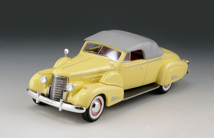 Cadillac V16 '38 Convertible Coupe Top Up Yellow_GLM43101602