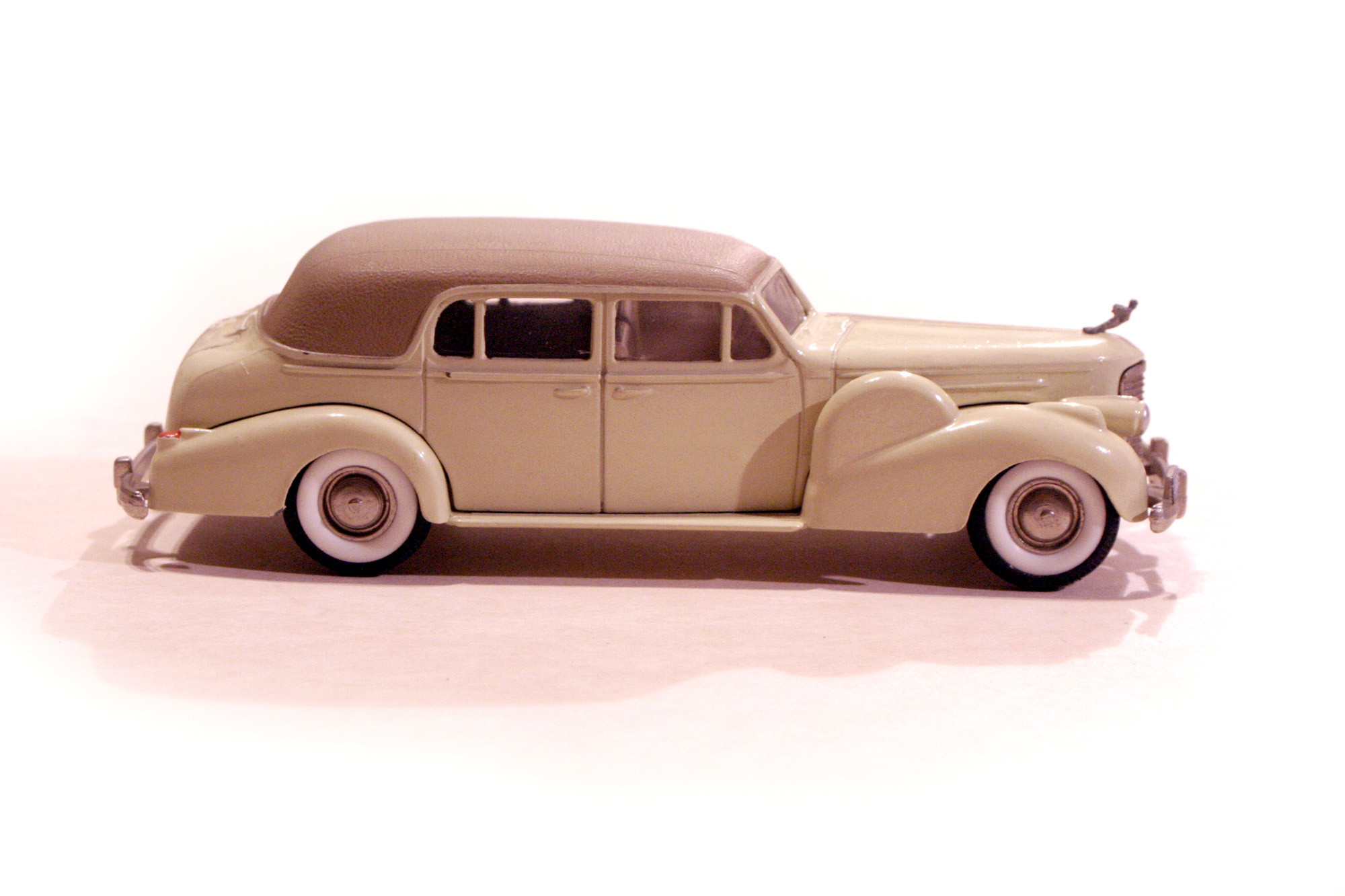 Cadillac V16 '38 Town Car Closed