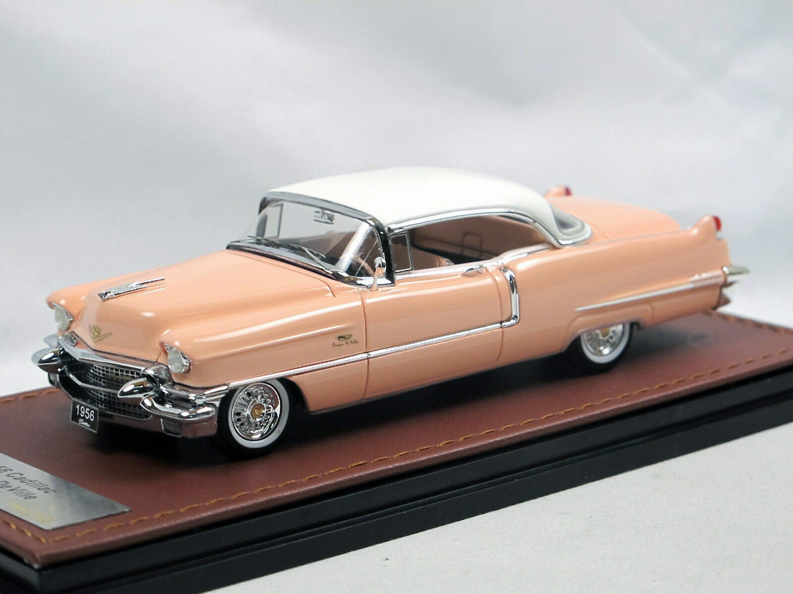 Cadillac Coupe DeVille '56 Mountain Laurel & White_Ltd Ed 1 of 20_GLM119404