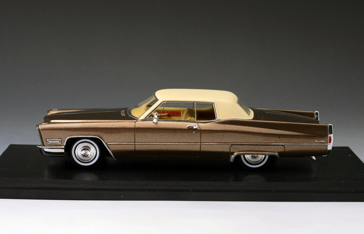 Cadillac DeVille '68 Coupe 2-Tone Brown_GLM123302