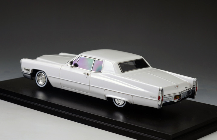 Cadillac DeVille '68 Coupe White_GLM123301