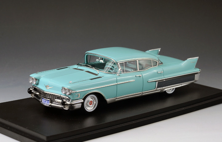 Cadillac Fleetwood '58 60 Special Light Blue_GLM122002