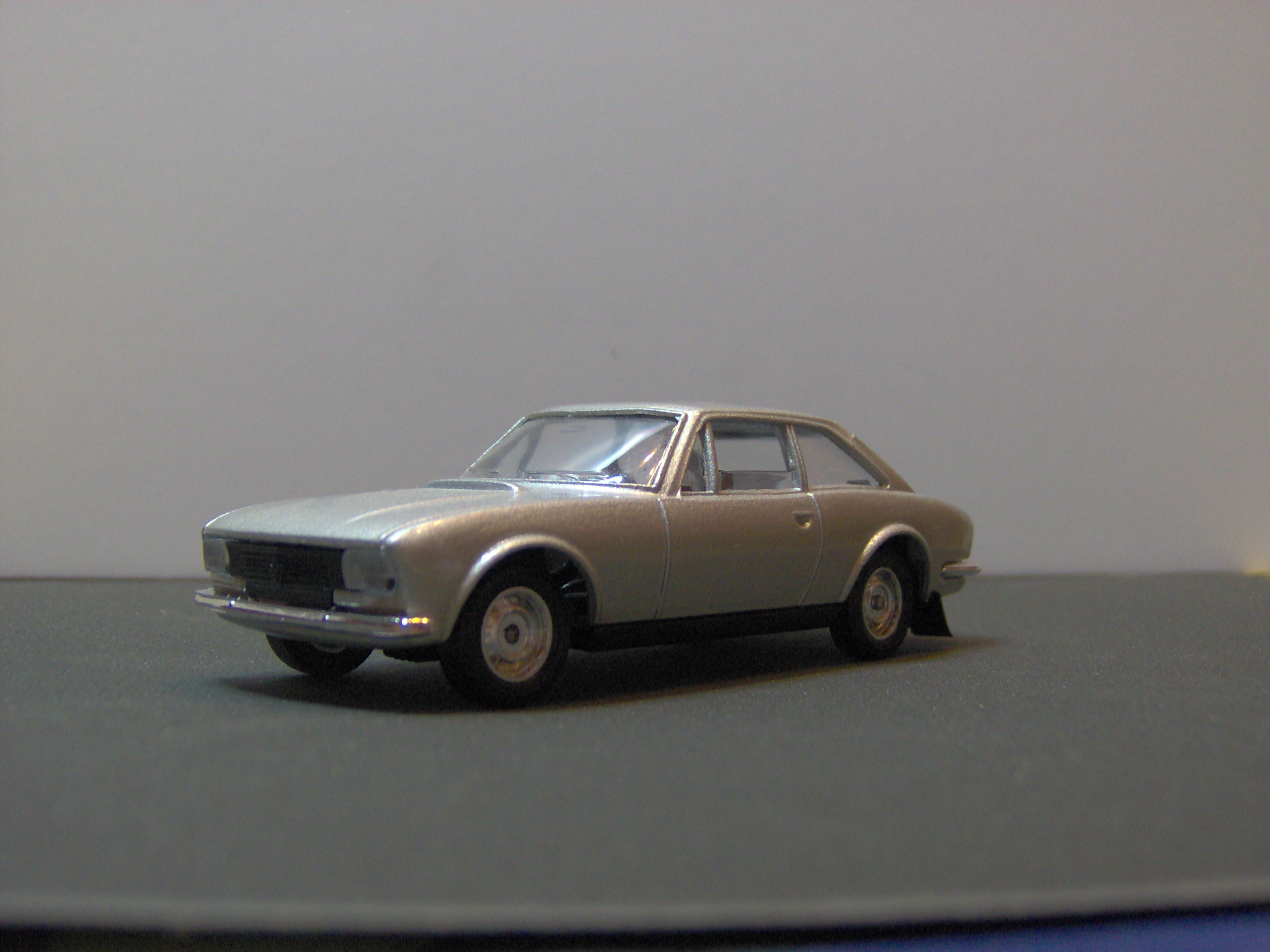 Peugeot 504 coupe V6 Solido