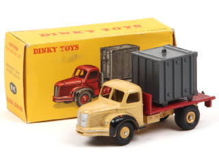 collection dinky toys editions atlas page 381. Black Bedroom Furniture Sets. Home Design Ideas