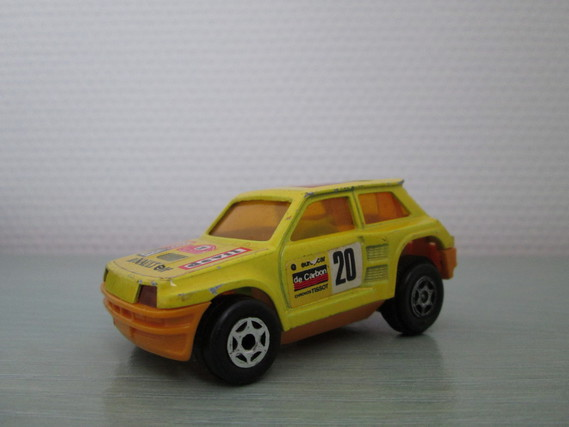 MAJORETTE RENAULT 5 FRICTION