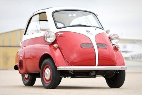 2011-07-18-16-16-53-7-bmw-isetta-was-the-car-of-golden-age-of-baby-and