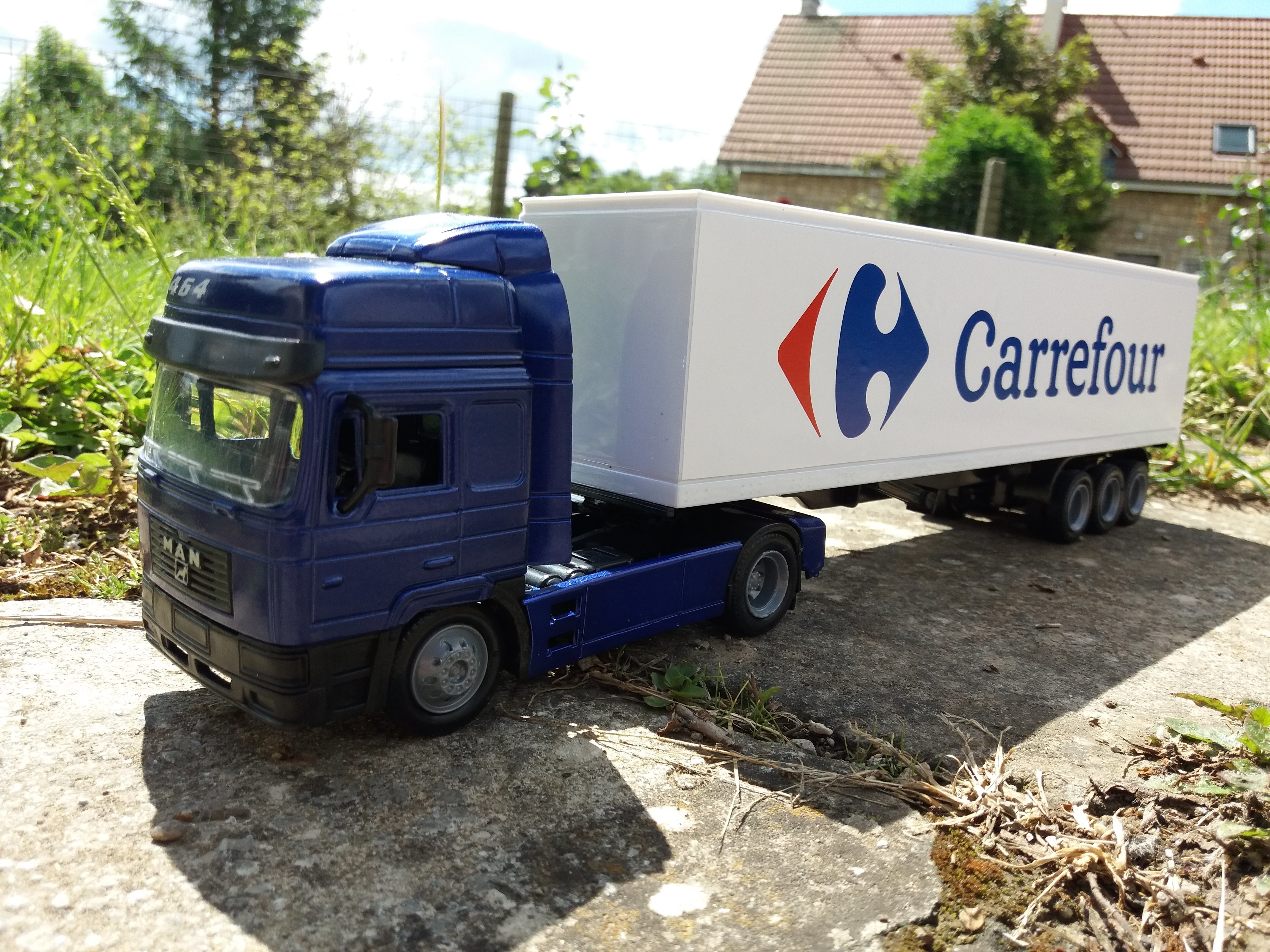 F2000 Carrefour 1