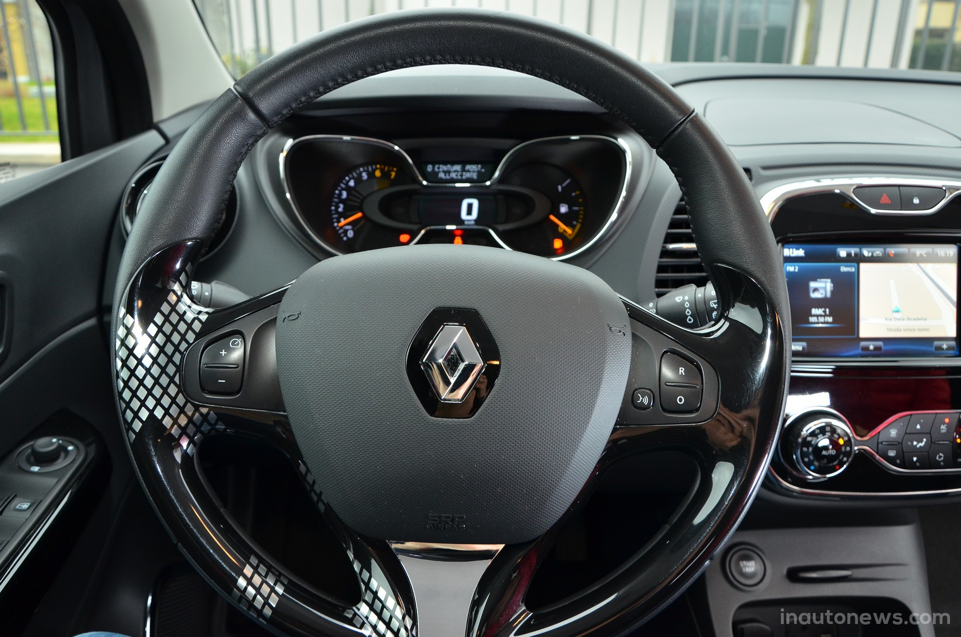 Mauvaise qualit finition du volant captur renault for Renault range t interieur