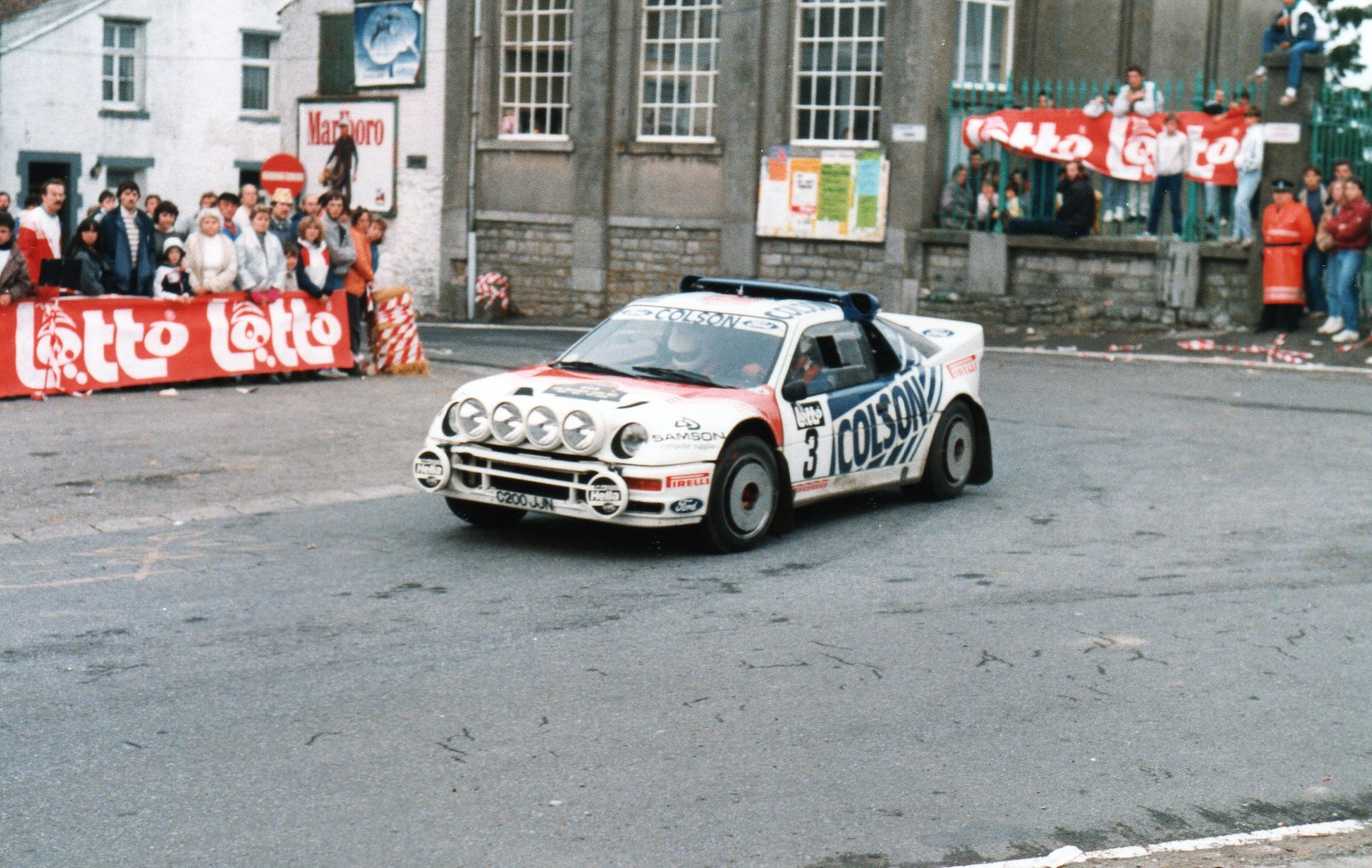 3) ANDERVANG - LIEUWMA FORD RS 200
