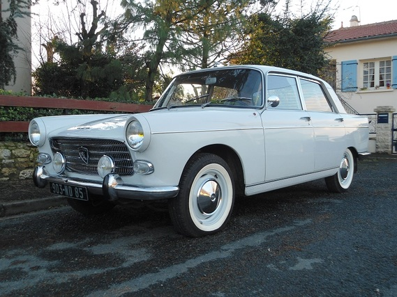 Pin 1965 peugeot 404 pick up hotrod style cg cars gallery for Interieur 404