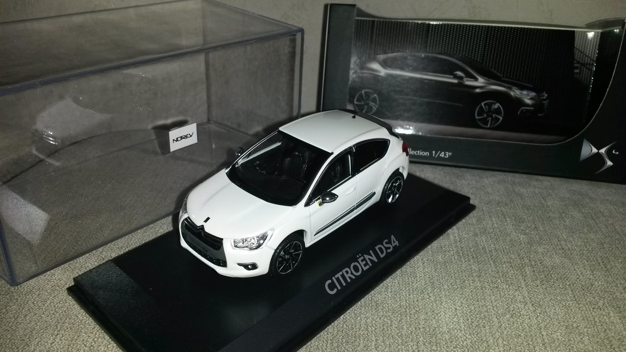 Ds4 blanche citroen ds4 occasion e hdi 115 so chic for Garage volkswagen salon de provence