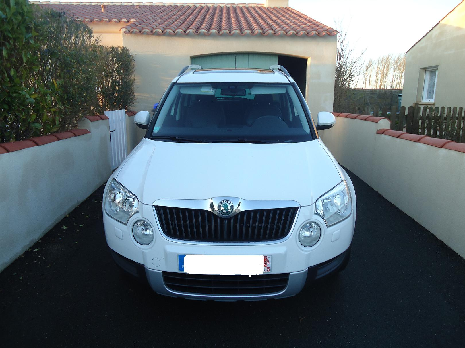 vends skoda yeti 2 0 1410 tdi 4x4 yeti skoda forum marques. Black Bedroom Furniture Sets. Home Design Ideas