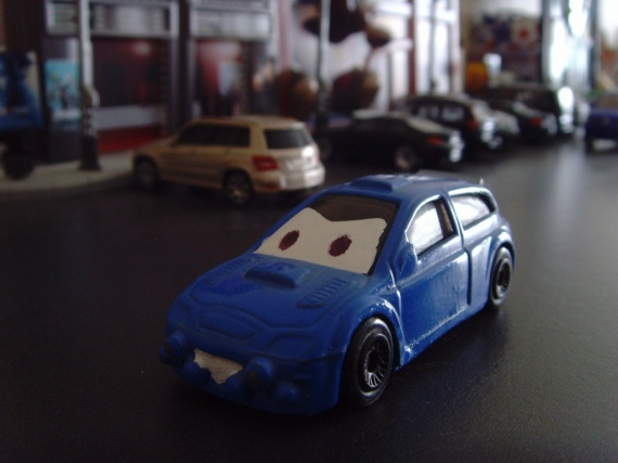 HW CARS PIXAR CUSTOM 1