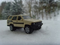 TOYOTA 4RUNNER IN THE SNOW