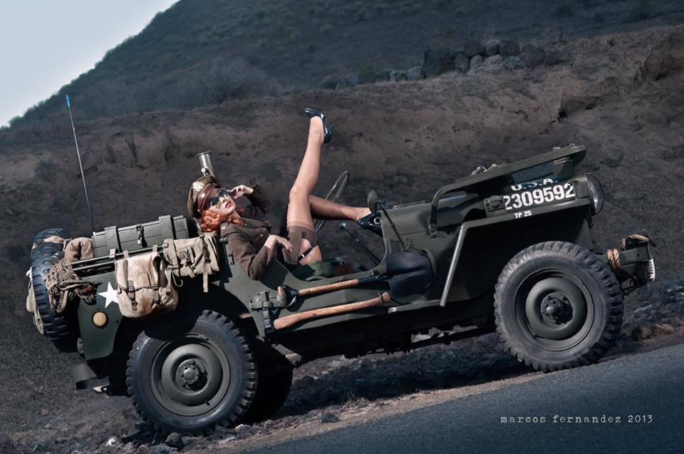 pin up jeep willys