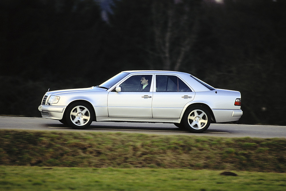 W124 E500 Limited exterior official 2
