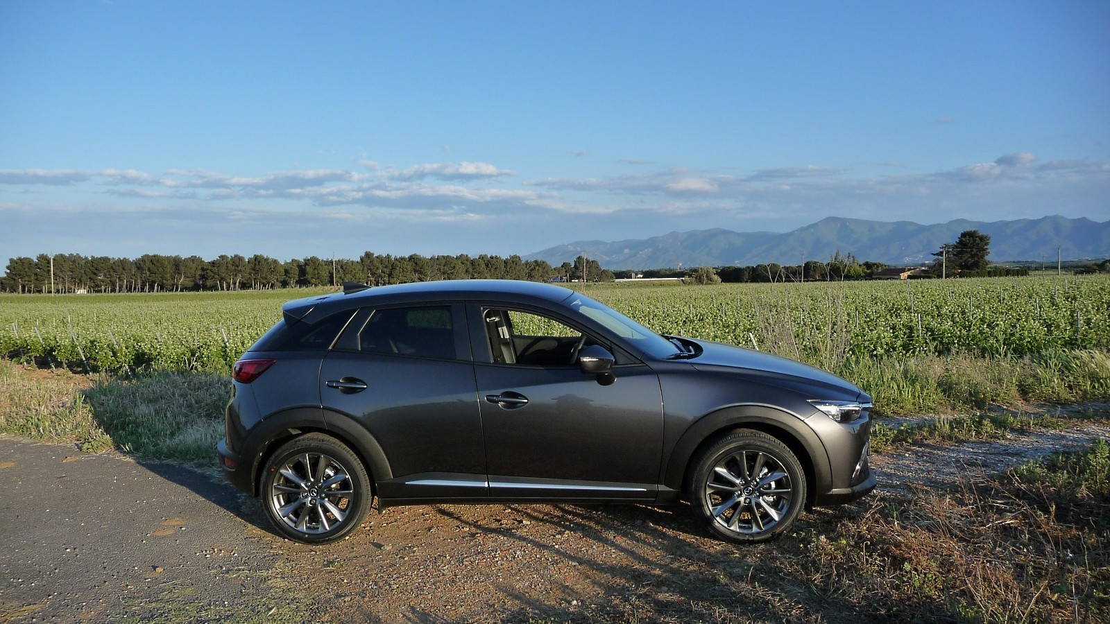 mazda cx 3 awd bvm6 exclusive noble brown 2017. Black Bedroom Furniture Sets. Home Design Ideas