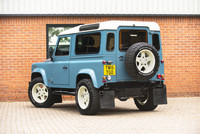 Land Rover Defender 90 Retro Twisted