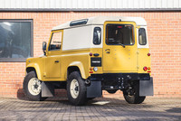Land Rover Defender 90 Utility Retro Twisted