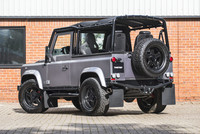 Land Rover Defender 90 Soft Top Twisted