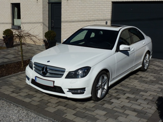 ma nouvelle c220 cdi pack amg classe c mercedes forum marques. Black Bedroom Furniture Sets. Home Design Ideas