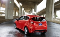 2014-Ford-Fiesta-ST-rear-left-view-2