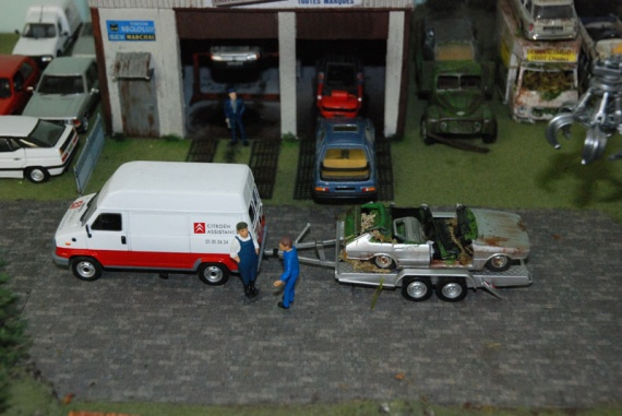 Epave en miniature diorama paves casse mini garage etc page 715 divers autres - Garage miniature citroen ...