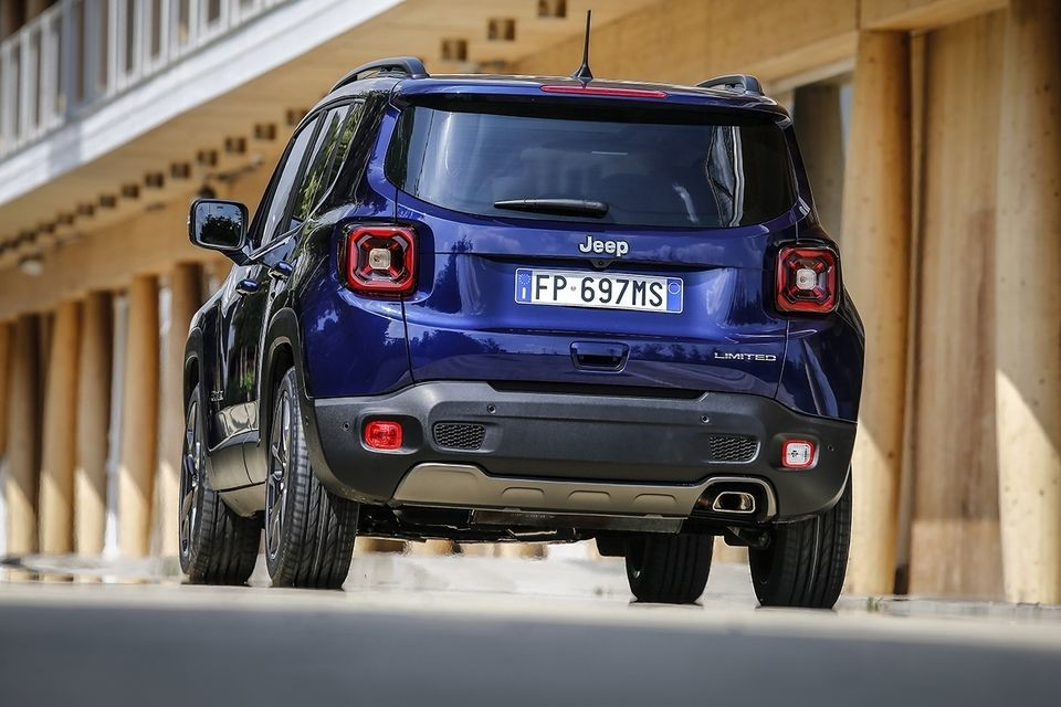 S8-jeep-devoile-le-renegade-restyle-554123