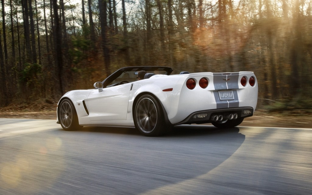 089652_Chevrolet_Corvette_427_Convertible_Collector_Edition_60_ans_de_performances