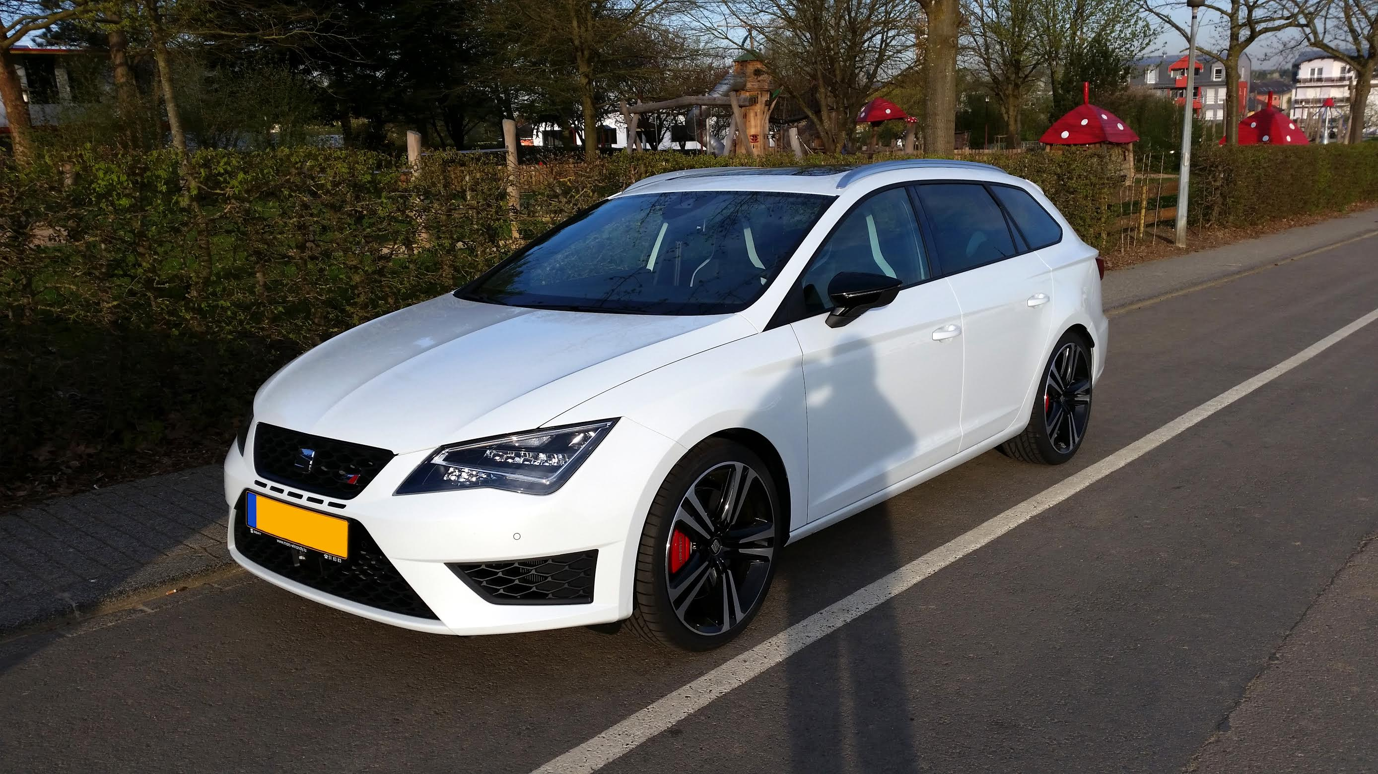 seat leon cupra st pr sentation leon seat forum marques. Black Bedroom Furniture Sets. Home Design Ideas
