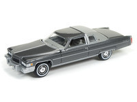 Auto world garage ToySrUS 76Cadillac_VerB